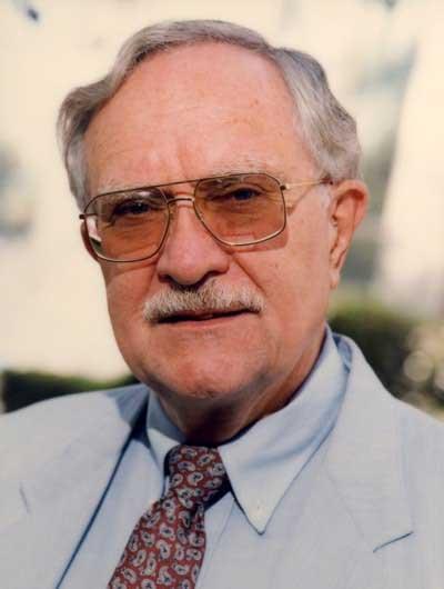 Malony-Newton--Professor-Emeritus-of-Psychology---400x530-72dpi-min