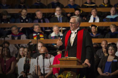 mark-labberton-preaching